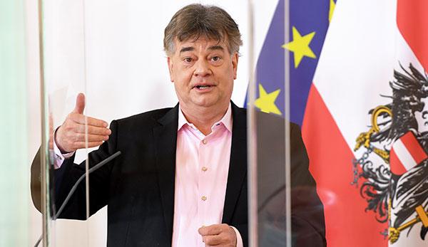 Werner Kogler lors de la conférence de presse