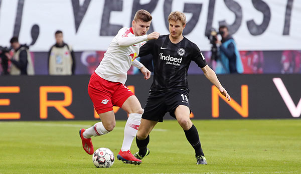 Eintracht Frankfurt - Adi Hütter lobt Martin Hinteregger: Vom ersten Spiel weg hervorragend