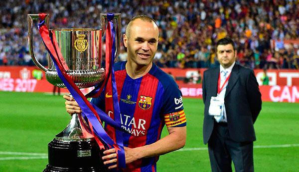 Iniesta verlängerte bei Barcelona lebenslang