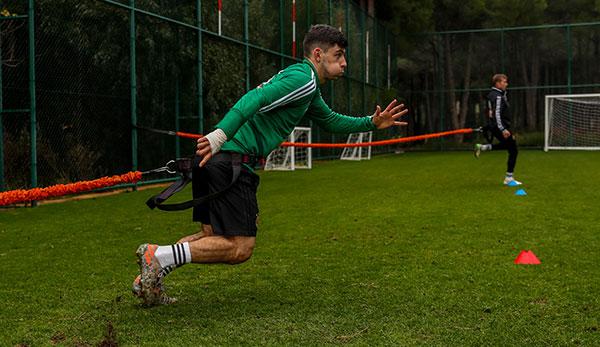 Bundesliga-Vereine wollen Trainingsstart Geisterspiele