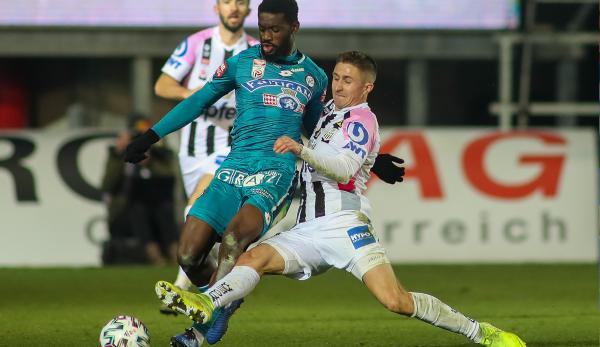 LASKs Reinholt Ranftl donnait un coup de pied pour SK Sturm Graz