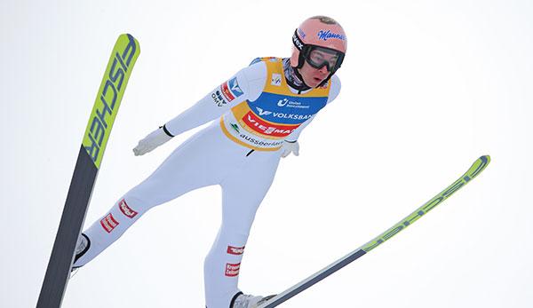 Skispringen in Rasnov: Stefan Kraft wird Dritter - Karl Geiger gewinnt