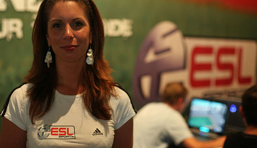 eSport, Games Convention, Girls, sexy, Hostessen, ESL, TV, LIVE, Ergebnis