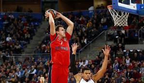 Johannes Voigtmann spielt in der EuroLeague mit Baskonia Vitoria um die Playoffs.