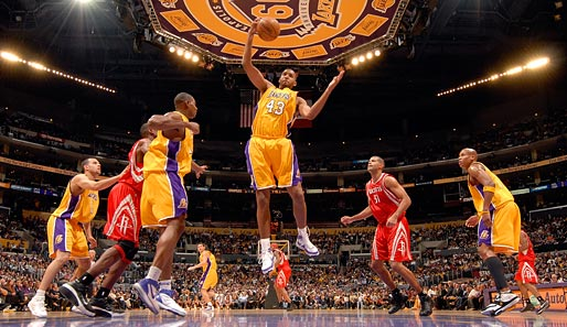 Los Angeles Lakers - Houston Rockets 93:95