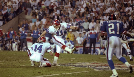 """Snap. Spot. In the air. It's got the distance! It is...no good!"" Buffalo-Bills-Kicker Scott Norwood vergibt 1991 den entscheidenden Field-Goal-Versuch"
