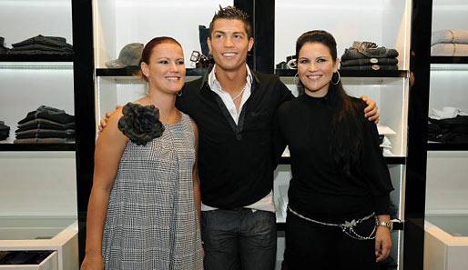 Den Frauen nämlich in Ronaldos Familie: Hier sind seine Schwestern Elma ...