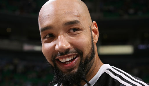 Dallas' neuer Forward Drew Gooden mag Körperbehaarung. Der Amish-Bart ist fast schon normal. Legendär: sein Schnurrbart am Hinterkopf (!)