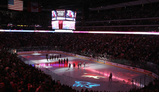 Nationalhymne und Lasershow gehören zum Standardrepertoire in der National Hockey League (NHL): Das ist in Phoenix (Arizona) auch nicht anders