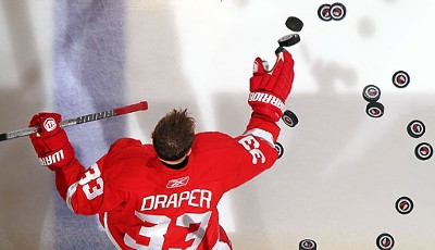 """I'm All-In!"" - High Stakes Poker on Ice mit NHL-Star Kris Draper von den Detroit Red Wings"