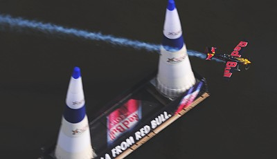 Kirby Chambliss während der Qualifying Session beim Red Bull Air Race in Perth