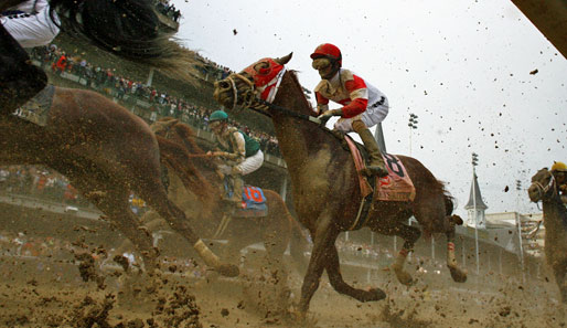 Schlammcatchen 2.0? Auch Pferderennen können zu einer dreckigen Angelegenheit werden. So geschehen beim Running of the Kentucky Derby in Louisville