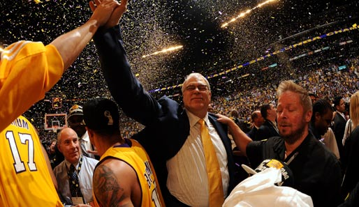 Freude auch bei Lakers-Coach Phil Jackson