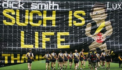 Time to say goodbye: 40.000 Fans verabschieden Australian-Football-Spieler Ben Cousins von den Richmond Tigers in Melbourne