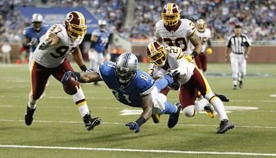 Detroit Lions - Washington Redskins 35:28: Lions-Receiver Calvin Johnson war mit 3 Touchdowns der überragende Mann auf dem Feld