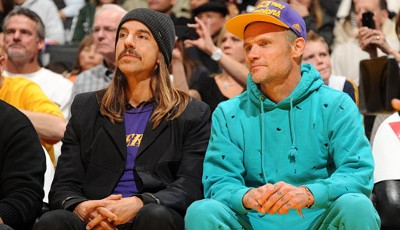 Bekennende Laker-Fans: Anthony Kiedis (l.) und Flea von den Red Hot Chili Peppers. Die Indiana Pacers besiegten die Los Angeles Lakers mit 95:92