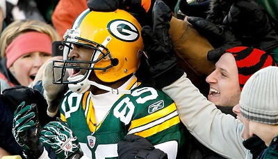 Green Bay Packers - New York Giants 45:17: Packers-Receiver James Jones lässt sich nach seinem TD-Catch feiern. Green Bay is back!