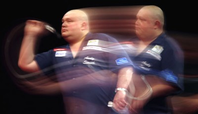 "Dynamik in Reinform. Andy ""The Pieman"" Smith bei der Darts-WM 2011"