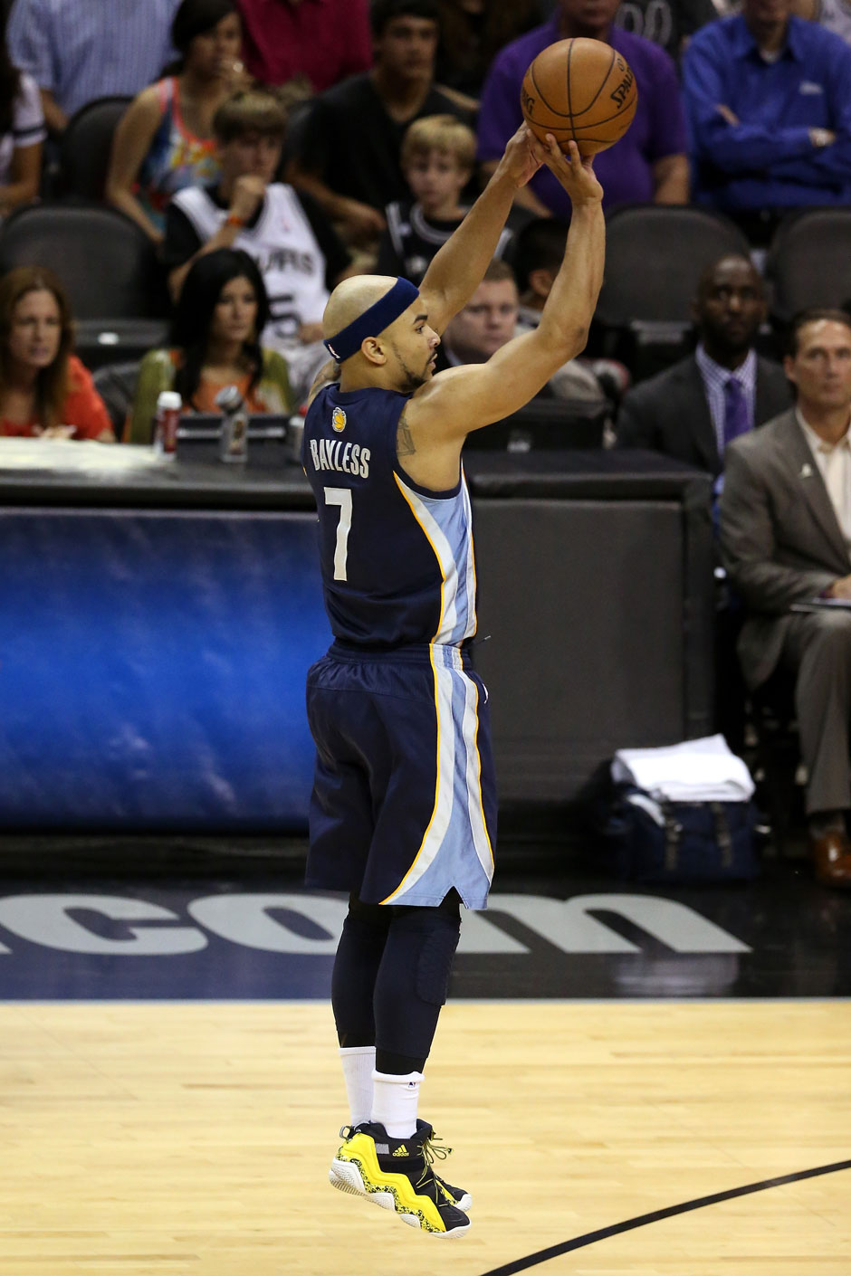Bank: Jerryd Bayless (Point Guard, 8,0 Punkte, 1,9 Rebounds)