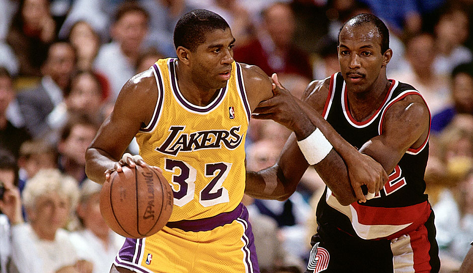 MAGIC JOHNSON: 13/13 Triple-Doubles (Los Angeles Lakers, 1987-88, '90-91)