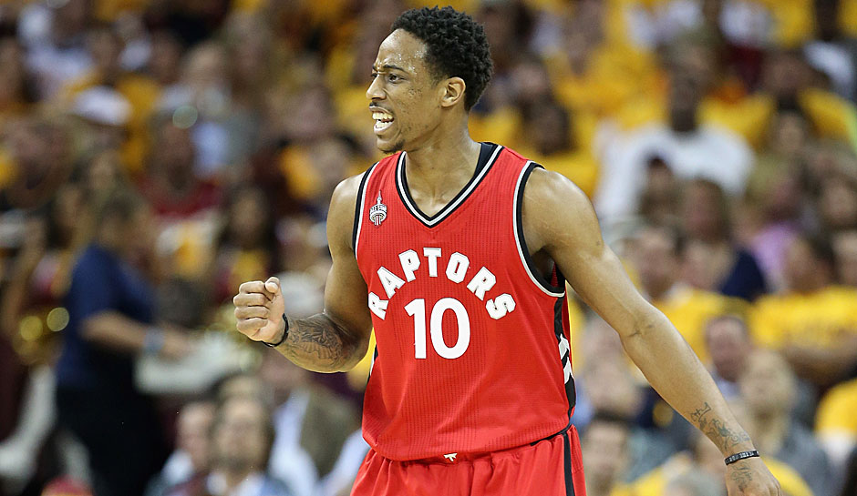 SG: DeMar DeRozan, Saison 2015/16: 23,5 Punkte, 4,5 Rebounds, 4,0 Assists