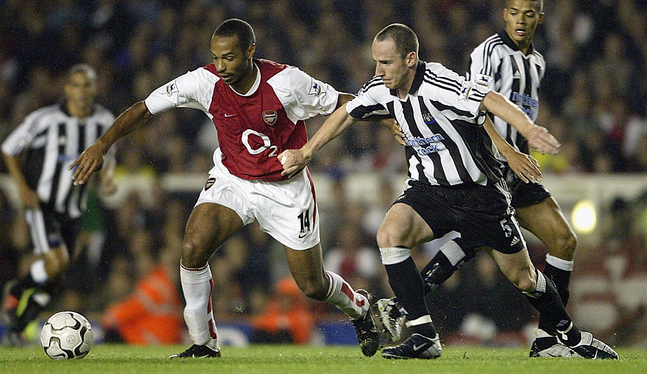 "30 Buden in der Premier League gelangen Thierry Henry alleine in der ""Invincibles""-Saison des FC Arsenal 2003/04. Insgesamt markierte er noch 138 weitere bis zur Vollendung seines 25. Lebensjahres"