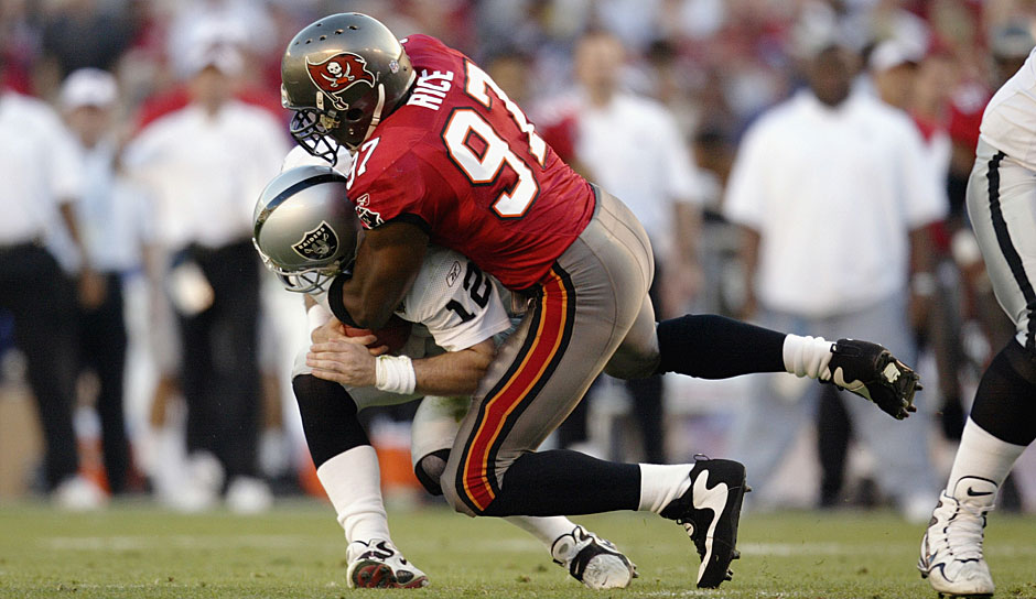 19.: Simeon Rice (1996 - 2007): 122 Sacks