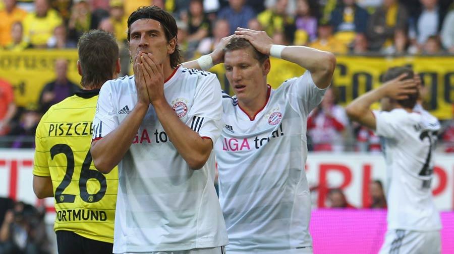 03.10.2010: Doch am 7. Spieltag der Saison 2010/11 ist es soweit. Die Bayern verlieren mit 0:2 in Dortmund, der erste Meistertitel des BVB seit langem nimmt seinen Lauf