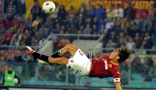 Fußballkunst pur - Francesco Totti in action