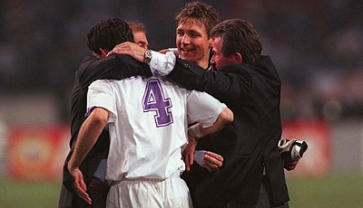 Mit Real Madrid holte Heynckes (r.) 1998 den Sieg in der Champions-League. Im Hintergrund Ex-Nationaltorwart Bodo Ilgner