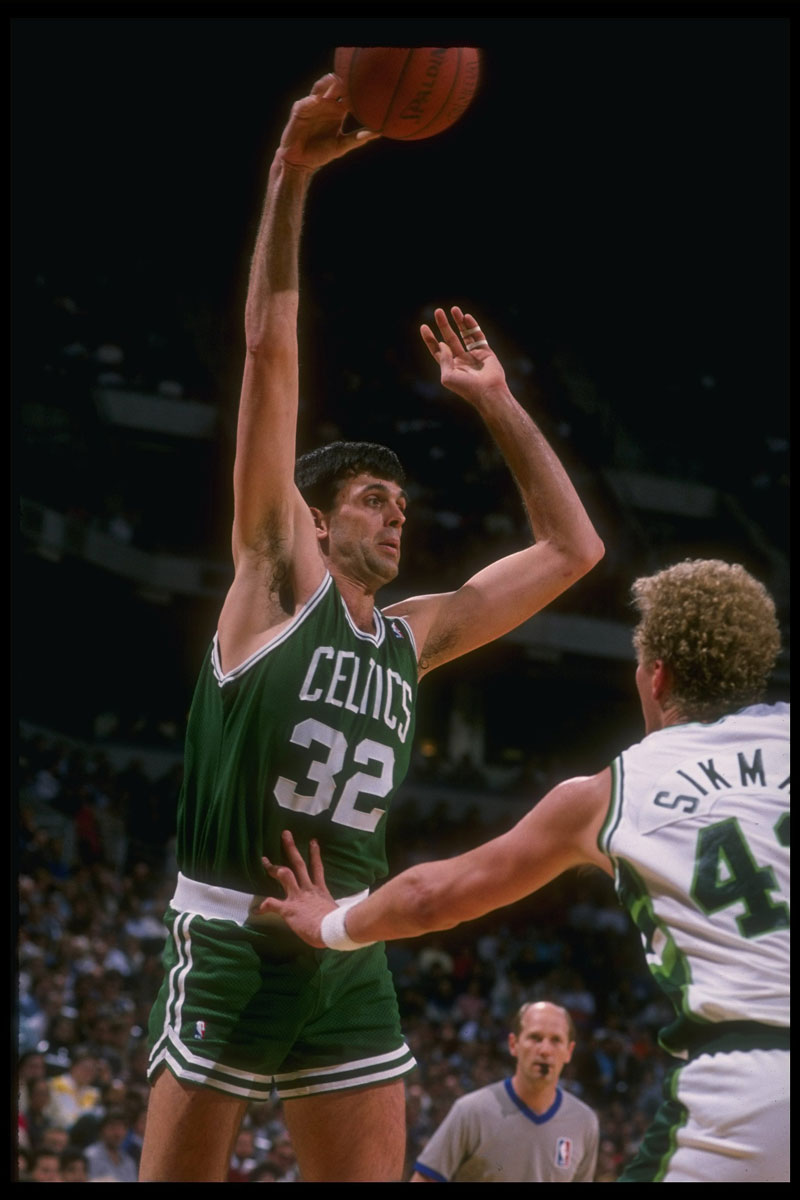 1983/1984 & 1984/85: Kevin McHale, Boston Celtics