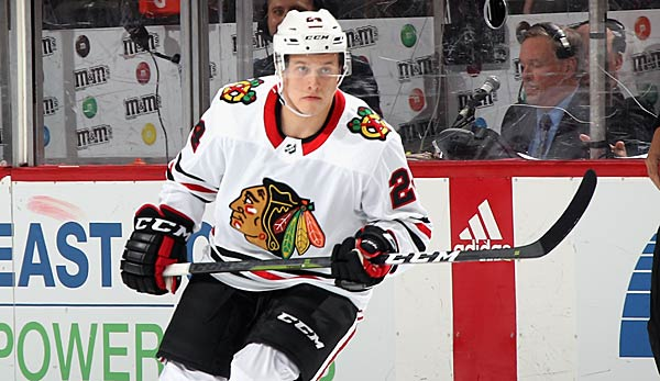 Die Chicago Blackhawks traden Dominik Kahun zu den Pittsburgh Penguins.