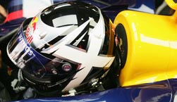 David Coulthard mit McRaes Helm