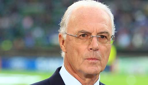 http://www.spox.com/de/sport/fussball/1011/Bilder/franz-beckenbauer-514.jpg