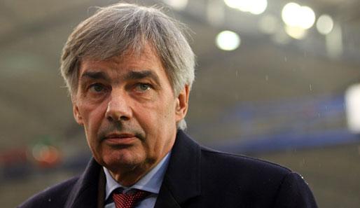 Der ehemalige Bundesliga-Manager Michael Meier will Fußball-Profis beim ...