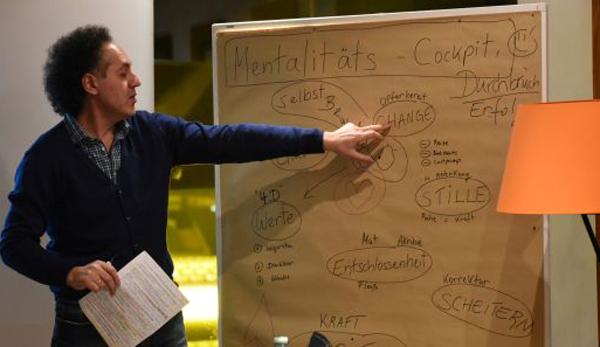 Fu-ball-Mentalit-tstrainer-David-Kadel-im-Interview-Zwei-Tage-Bergwandern-reicht-nie-