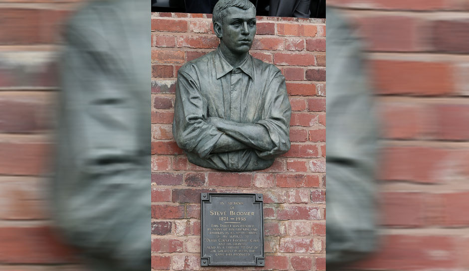 Platz 5: Steve Bloomer (Derby County, Middlesbrough) - 317 Tore
