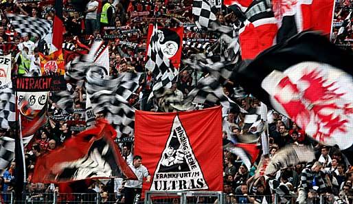 image: eintracht-frankfurt-fans