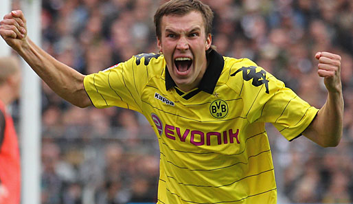 Kevin Großkreutz earned a  million dollar salary, leaving the net worth at 15 million in 2017