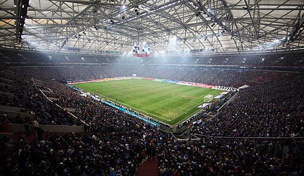 West Ham, Newcastle und Malaga zu Gast in Gelsenkirchen