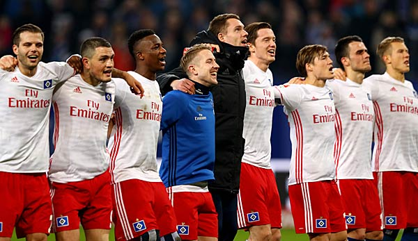Der Hamburger SV arm in arm