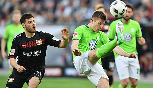 Robin Knoche im Duell mit Kevin Volland