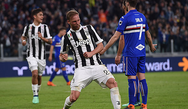 """Rare pleasures in the Juventus jersey: Benedikt Höwedes scored only 248 minutes in Turin, scoring one goal Sampdoria. """"Title ="""" Rare delights in the Juventus jersey: Benedikt Höwedes scored just 248 minutes in Turin, scoring yet a goal against Sampdoria. """"/>   <p> © getty </p> </div> </figure> </aside> <h2><b> Höwedes changes to Lokomotiv Moscow: compulsion the own claims </b></h2> <p> Humanly it did not fit on Schalke, even if Höwedes announced that all disagreements with Tedesco are cleared out: """"I am not a vindictive person,"""" said Höwedes before his return to the S04., But also sporty resembled the perspective of Höwedes after the engagement of Salif Sane and the already well-staffed squire-defensive of a dead end. </p> <p> The search for a new employer went well It was slow. As much as Höwedes was attached to his own claims to play in a new Champions League club, he had little chance of being offered a club by his vulnerability to injury. Especially since Höwedes with a rumored annual salary in the amount of four million euros and not among the low earners counted on Schalke. </p> <p> When the former Schalke functionary Erik Stoffelhaus in his capacity as Sport Director of Lokomotiv Moscow at the Royal Blues presented, but offered for </p> <aside class="""