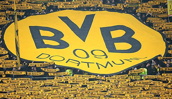 bvb fans bereiten borussia dortmund nach derbysieg mega. Black Bedroom Furniture Sets. Home Design Ideas