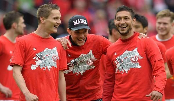 """""""Das fand ich weltklasse"""": Malik Fathi (re.) mit Trainer Thomas Tuchel nach der Qualifikation für die Europa League mit dem FSV Mainz 05 in der Saison 2013/2014."""