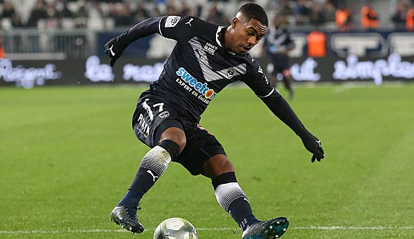 Girondins Bordeaux Malcom in Aktion am Ball