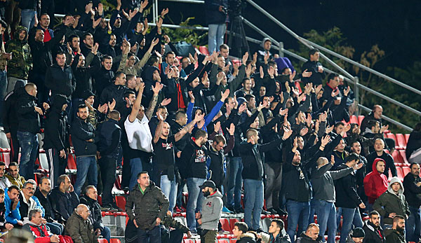 FC Bayern München: Youth-League-Spiel gegen Olympiakos Piräus wegen Ausschreitungen unterbrochen