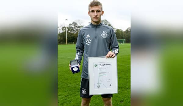 Torben Rhein erhielt 2020 die Fritz-Walter-Medaille in Silber bei den U17-Junioren.