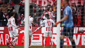 Köln gewinnt Rhein-Derby und gibt Rote Laterne ab
