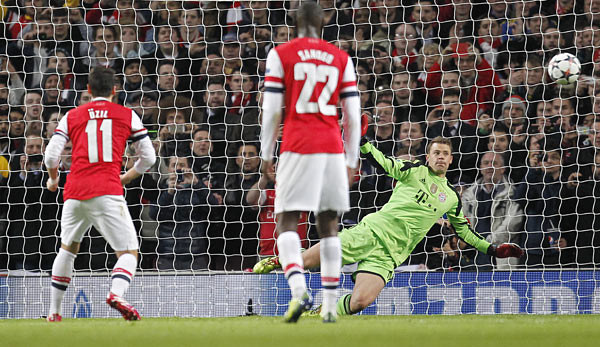 Bayern keeper Manuel Neuer on Arsenal win: I know how Özil takes penalties [SPOX Interview]